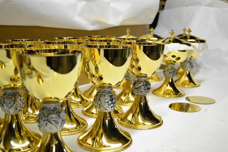 Produzione artigianale arredi sacri e oggetti religiosi for Arredi religiosi